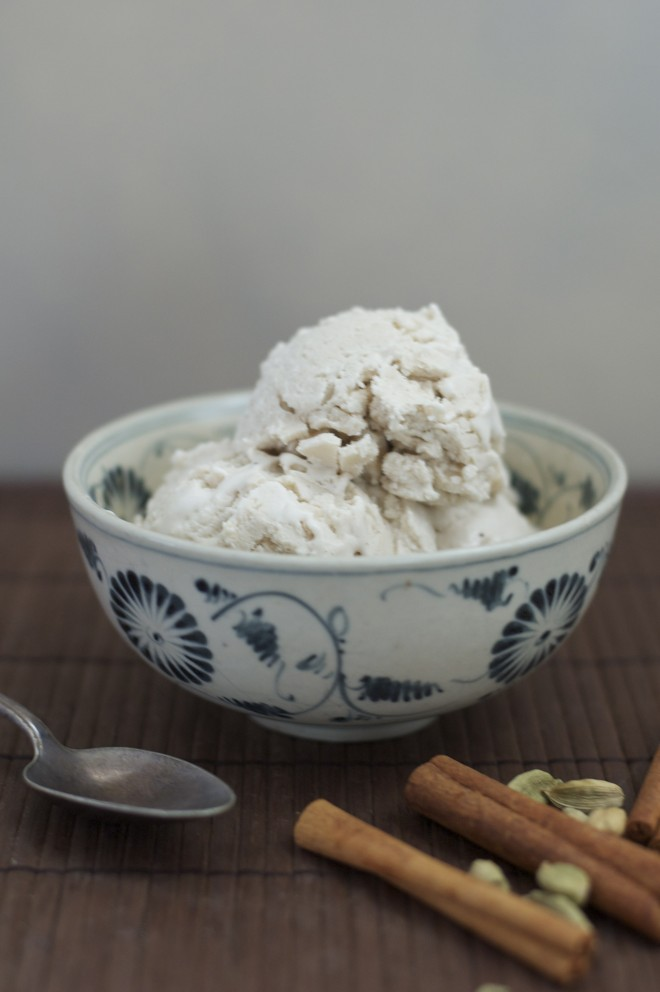 Chai-Coconut-ice-cream-with-no-sauce-2-660x992.jpg
