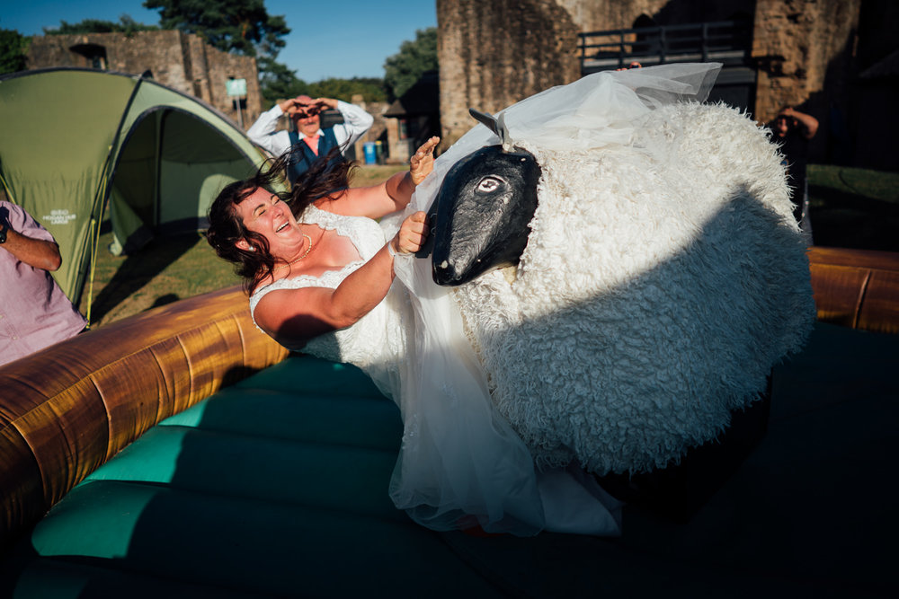 Caldicot Castle Wedding Photography 16.jpg