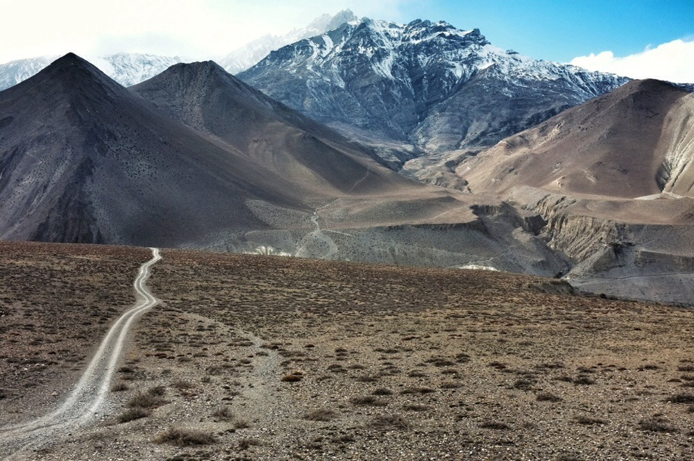 One of the best stretches of walking ever. It was a slightly alternate route from Muktinath to Kagbeni. (Hint: don't follow the main road, but go across to the other side of the valley) ||📷 Ryan Moore