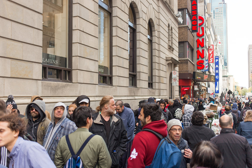 MONTREAL, QUEBEC – OCTOBER 19 2018 : The lineup to buy marijuana at the Société Québécoise du Cannabis outlet stretched all the way from Ste-Catherine street to René-Levesque boulevard, making driving down Metcalfe a challenge on October 17th, 2018 in Montreal, Quebec. (Photo by Matteo Gueli /Dawson College Photojournalism Class)