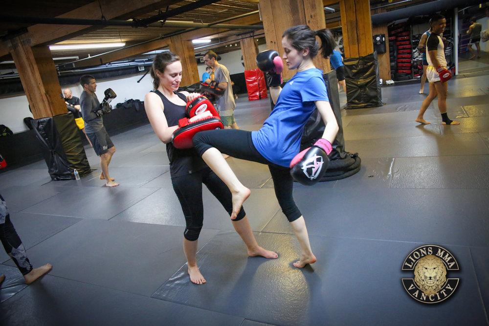 LIONS MMA VANCITY - 2014-04-11 - Ron Sombilon Photography-27-WEB.jpg