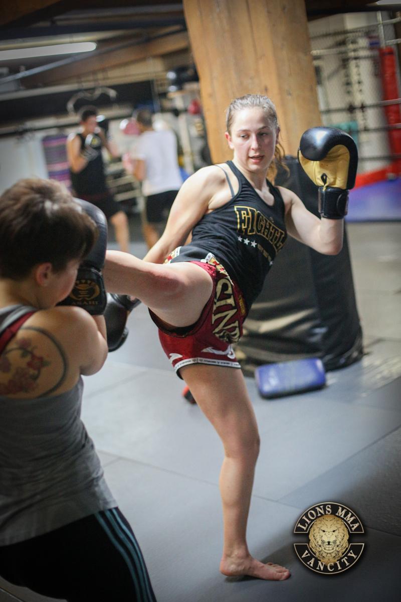 LIONS MMA VANCITY - 2014-04-22 - Ron Sombilon Photography-21-WEB.jpg
