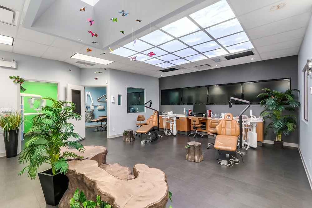 Surrey's Clinic is a jungle-themed patient & parent friendly area with ceiling-mounted LCD TVs, plenty of seating. Private rooms available.