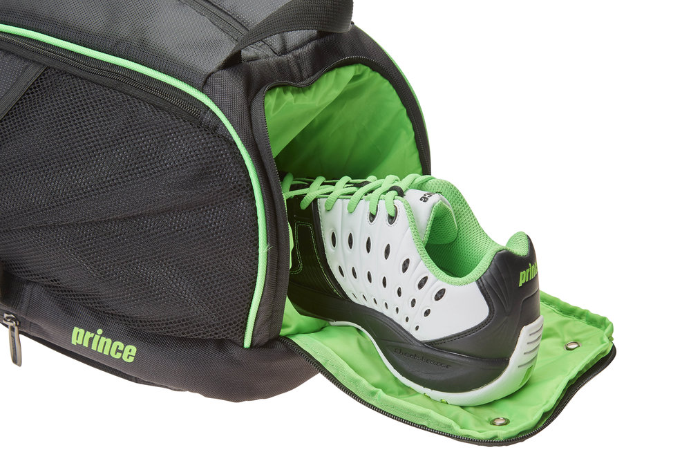 6P894302_Tour_Dufflepack_OPEN_SHOE.jpg