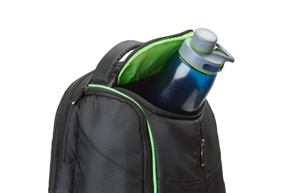 6P894302_Tour_Dufflepack_OPEN_WATERBOTTLE.jpg