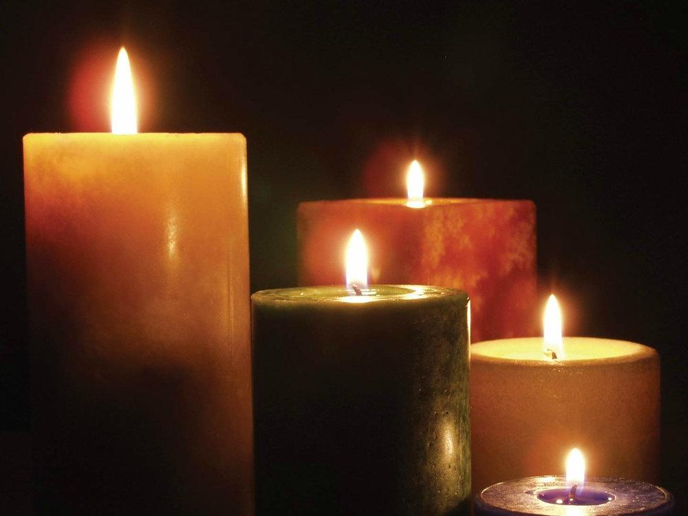 lit_candles_1600x1200.jpg