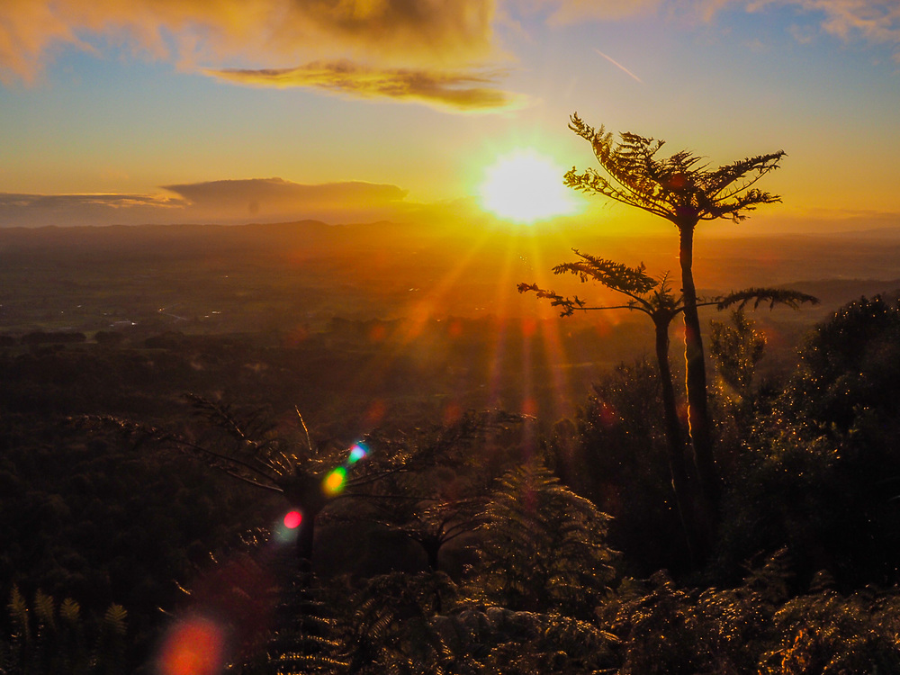 Winter sunset over Waikato from SH 2 in the Kaimai Ranges, NZ