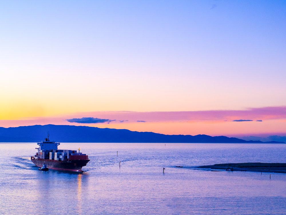Dusk arrival, Port Nelson, Nelson. 1/125sec, f/4.5 ISO 200