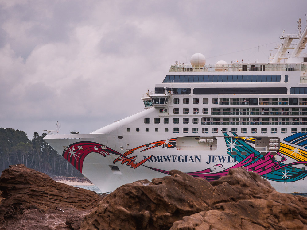 Norwegian Jewel entering Tauranga Harbour, Bay of Plenty, NZ
