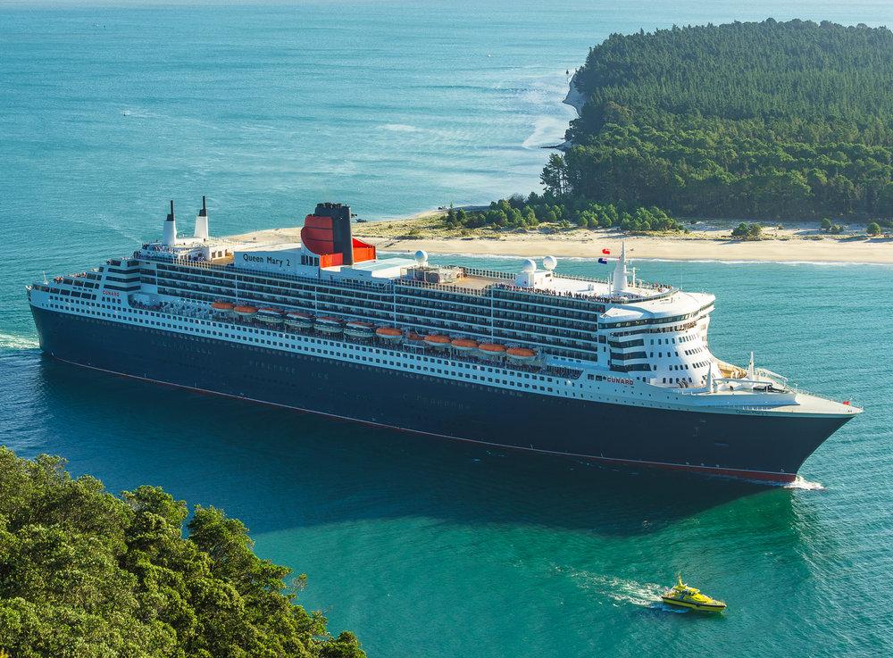 Queen Mary 2. Tauranga, NZ. P3054259