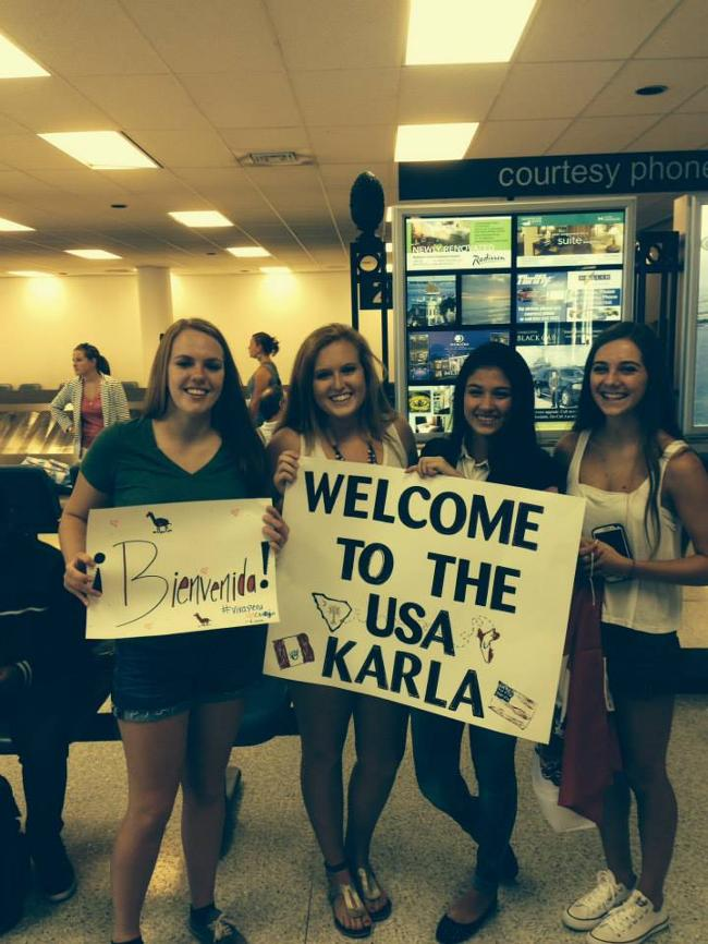 Karla Acosta welcomed at the Charleston Airport