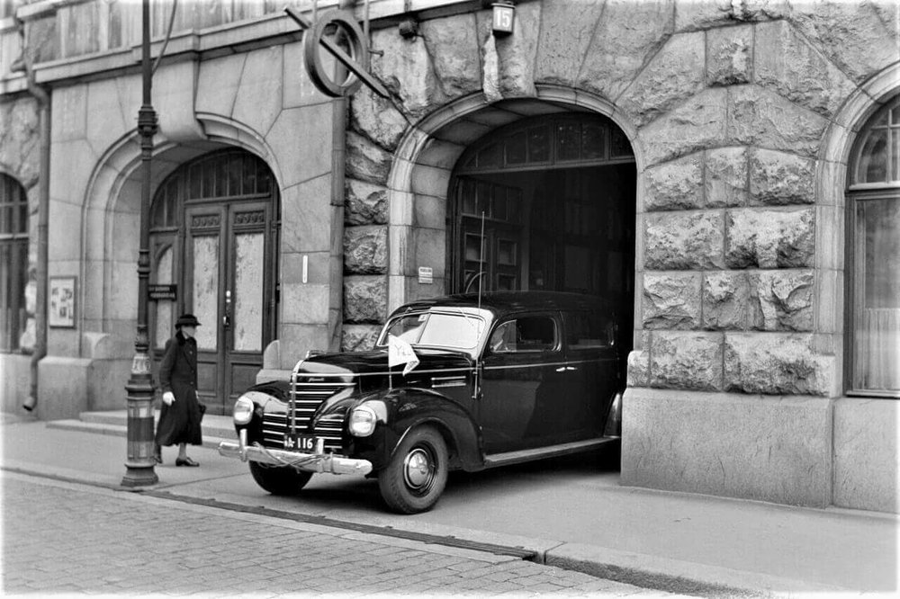 Iota Club Old Car