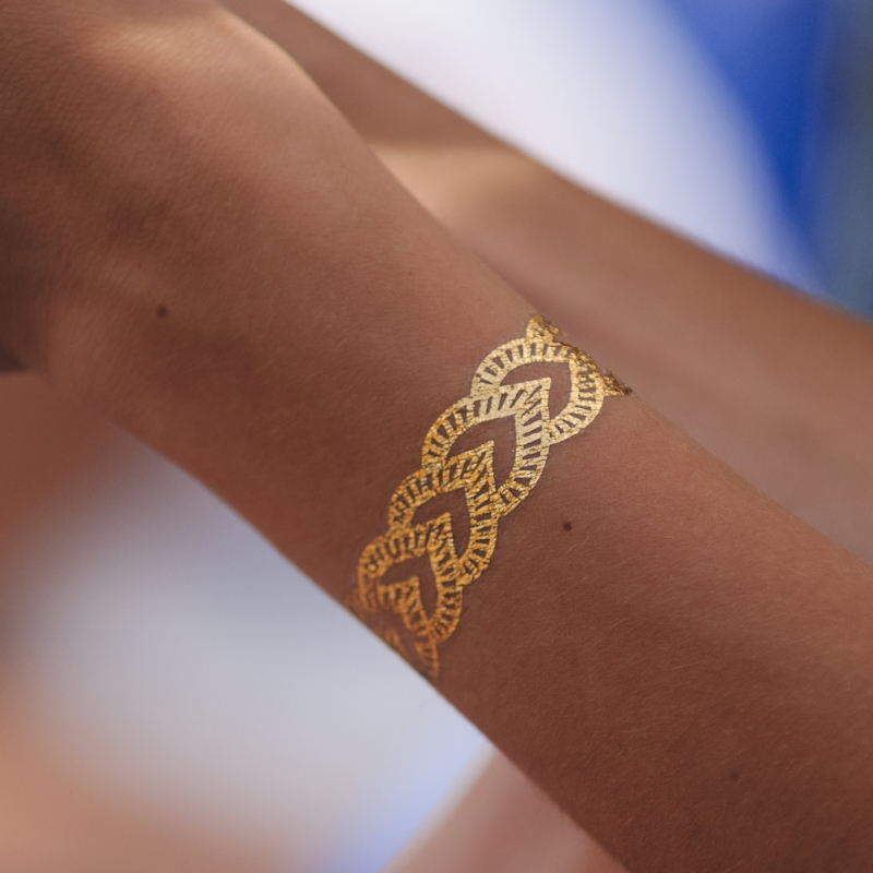unexpected wedding favors that your guests will love_temporarytattoos.jpg
