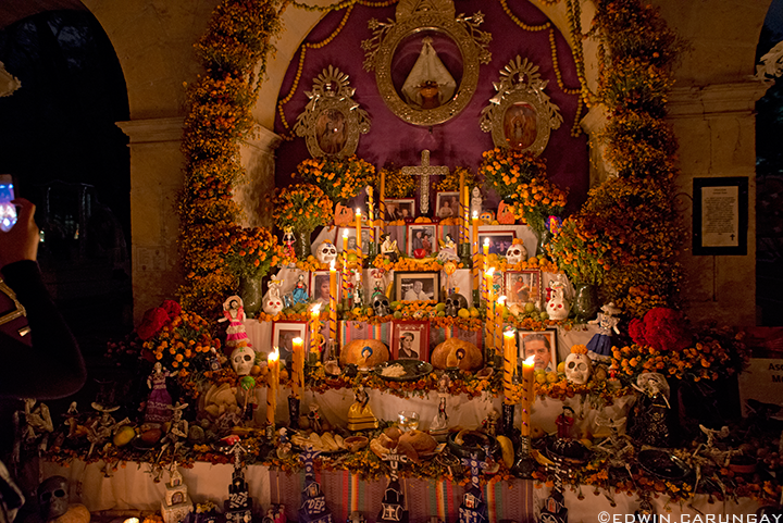 Dia_de_Muertos_Oaxaca_Panteon_General_altars_ofrendas.png