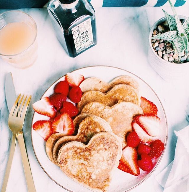 Have a pancake for dinner today? Happy #nationalpancakeday 😍😍
