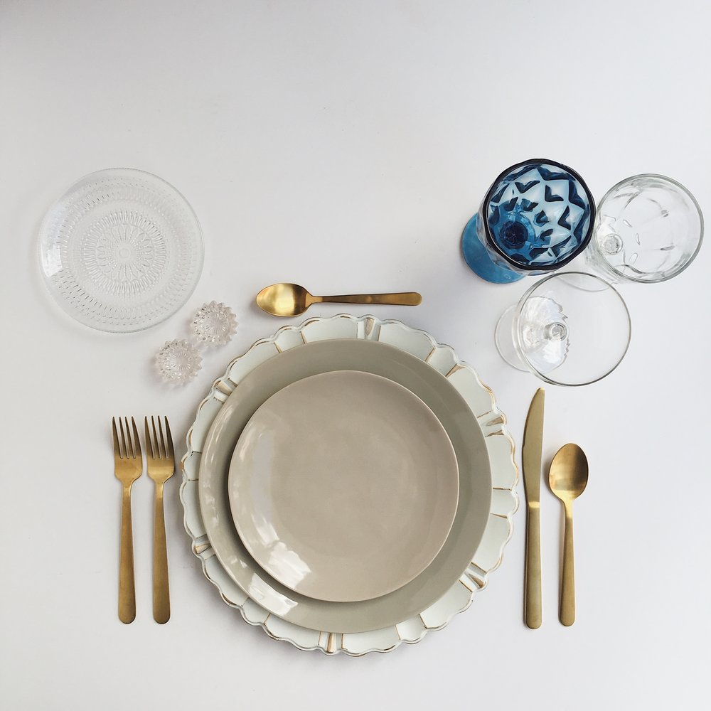 THE MIX DISH | TAUPE | WHITE