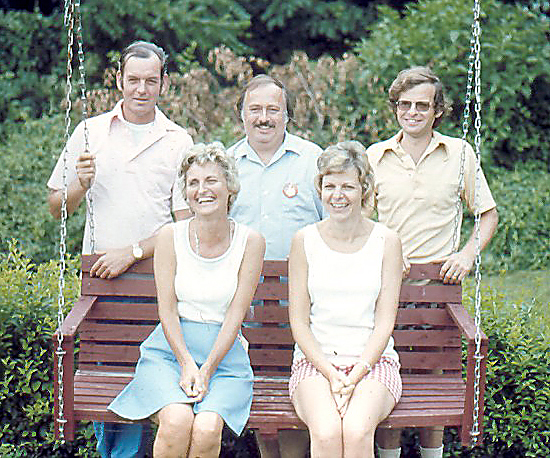 A family portrait of Diane with her 3 brothers and sister