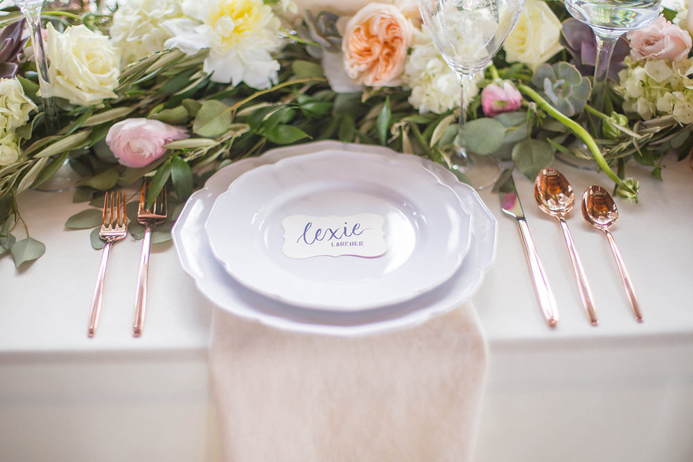 rose-gold-and-white-wedding-table-setting