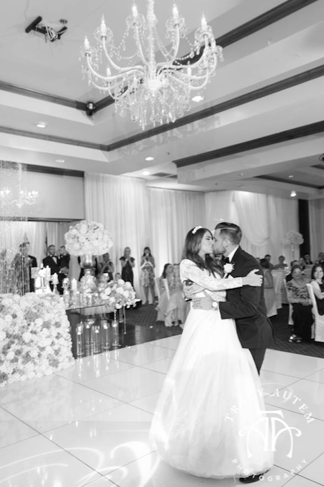 dallas-bride-first-dance