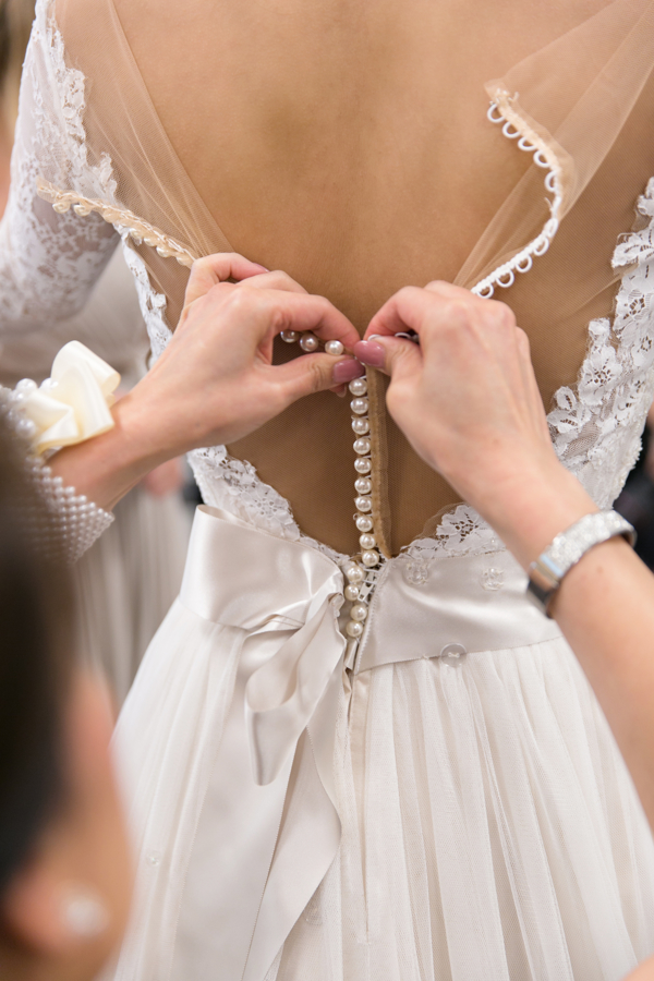 buttoning-brides-dress