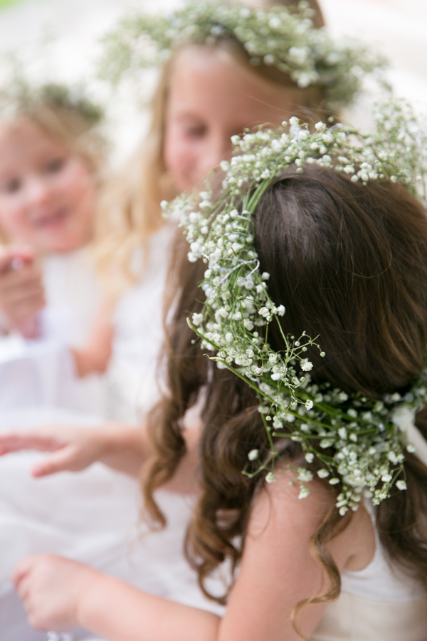 flower-girls-with-flower-crowns