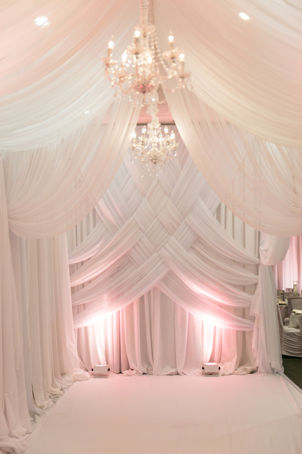 glam-reception-entryway