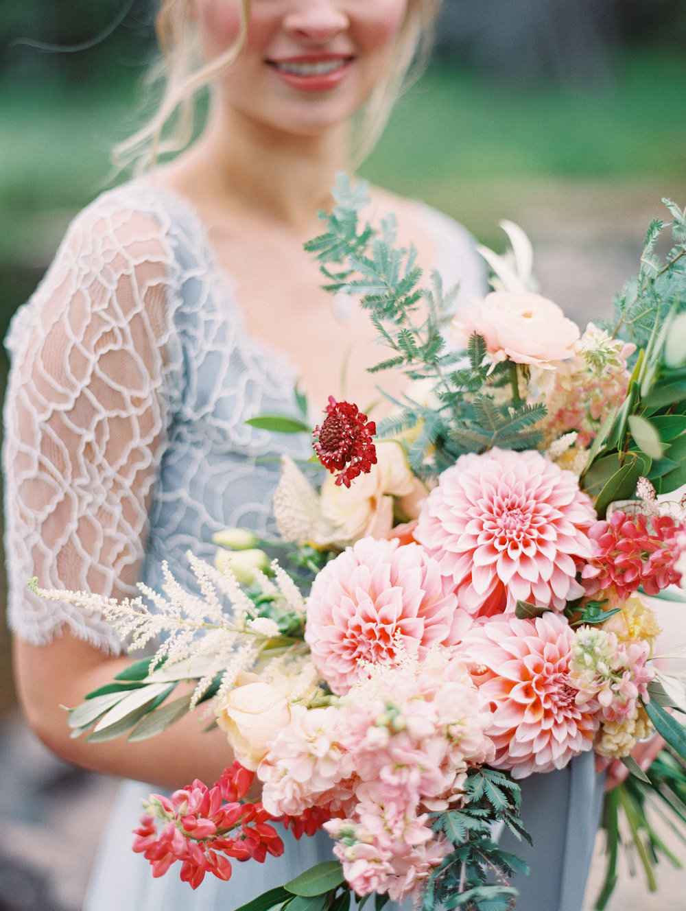 wild-wedding-bouquet