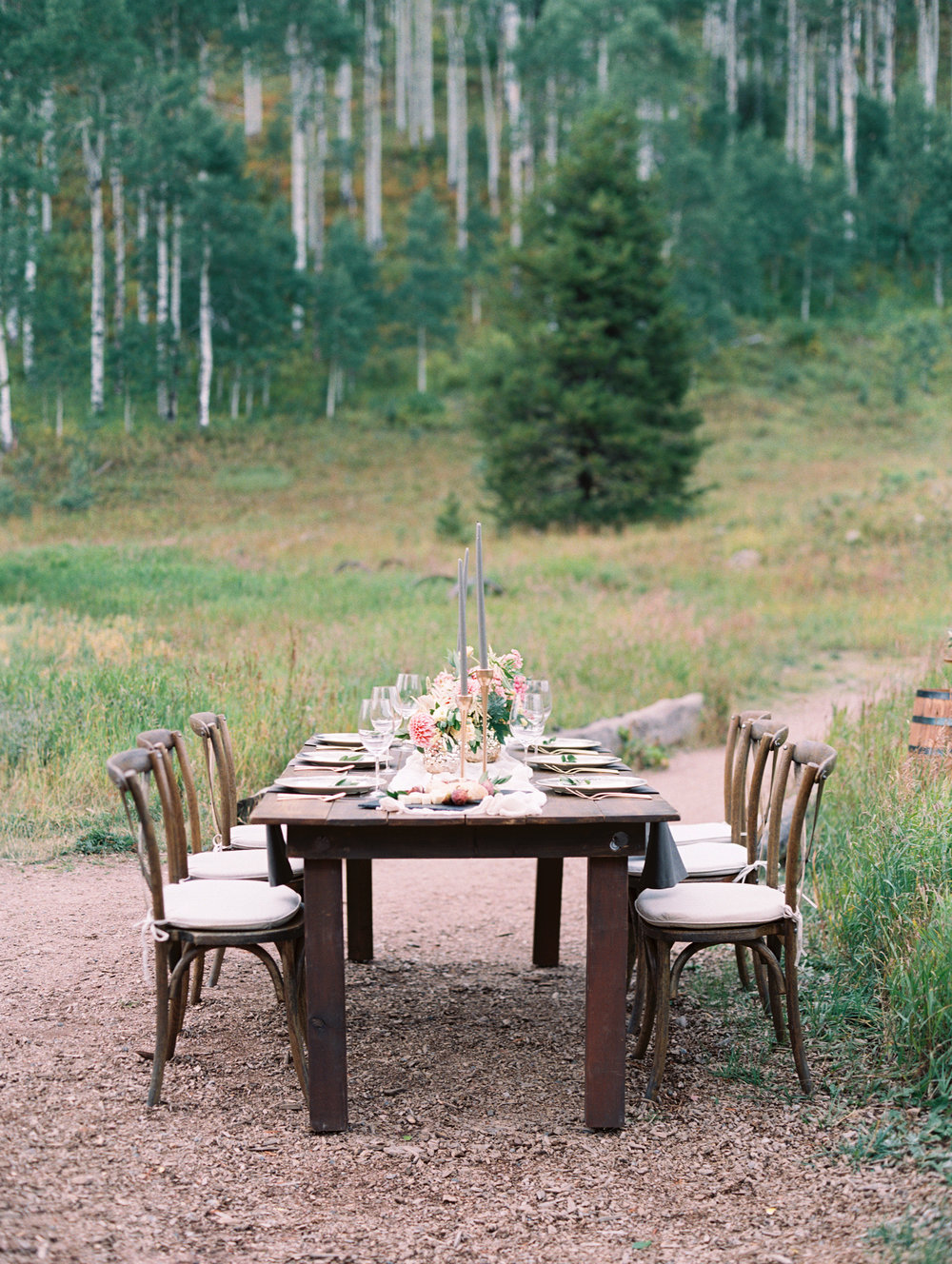 outdoor-dinin-in-colorado