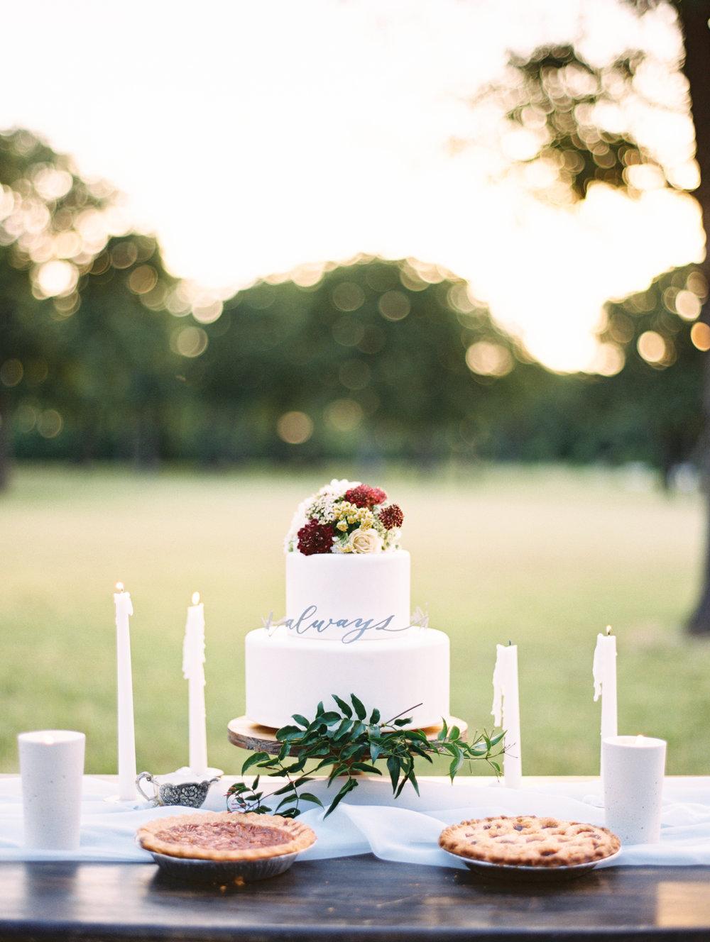 halo-cake-topper