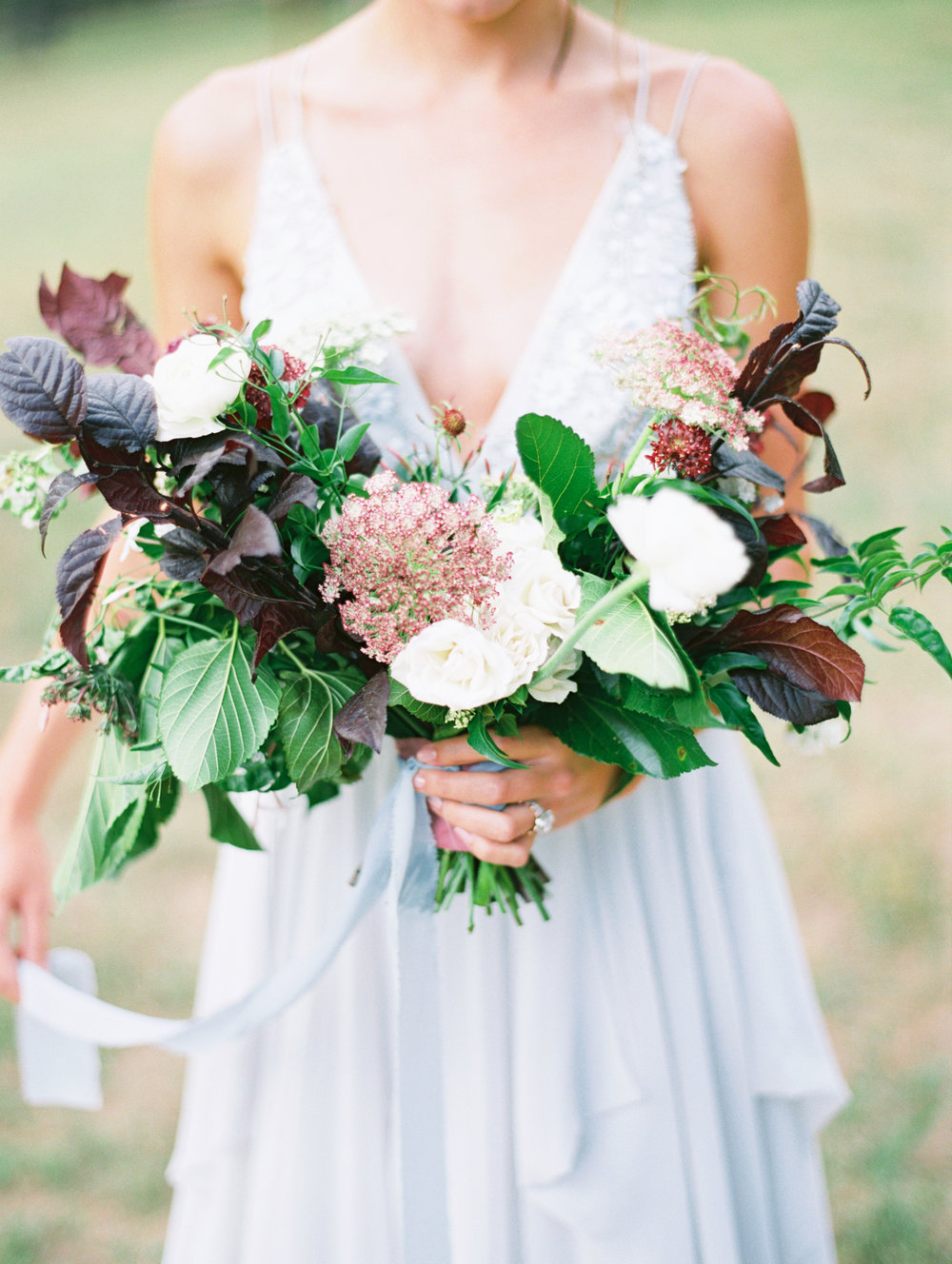 lush-organic-wedding-flowers