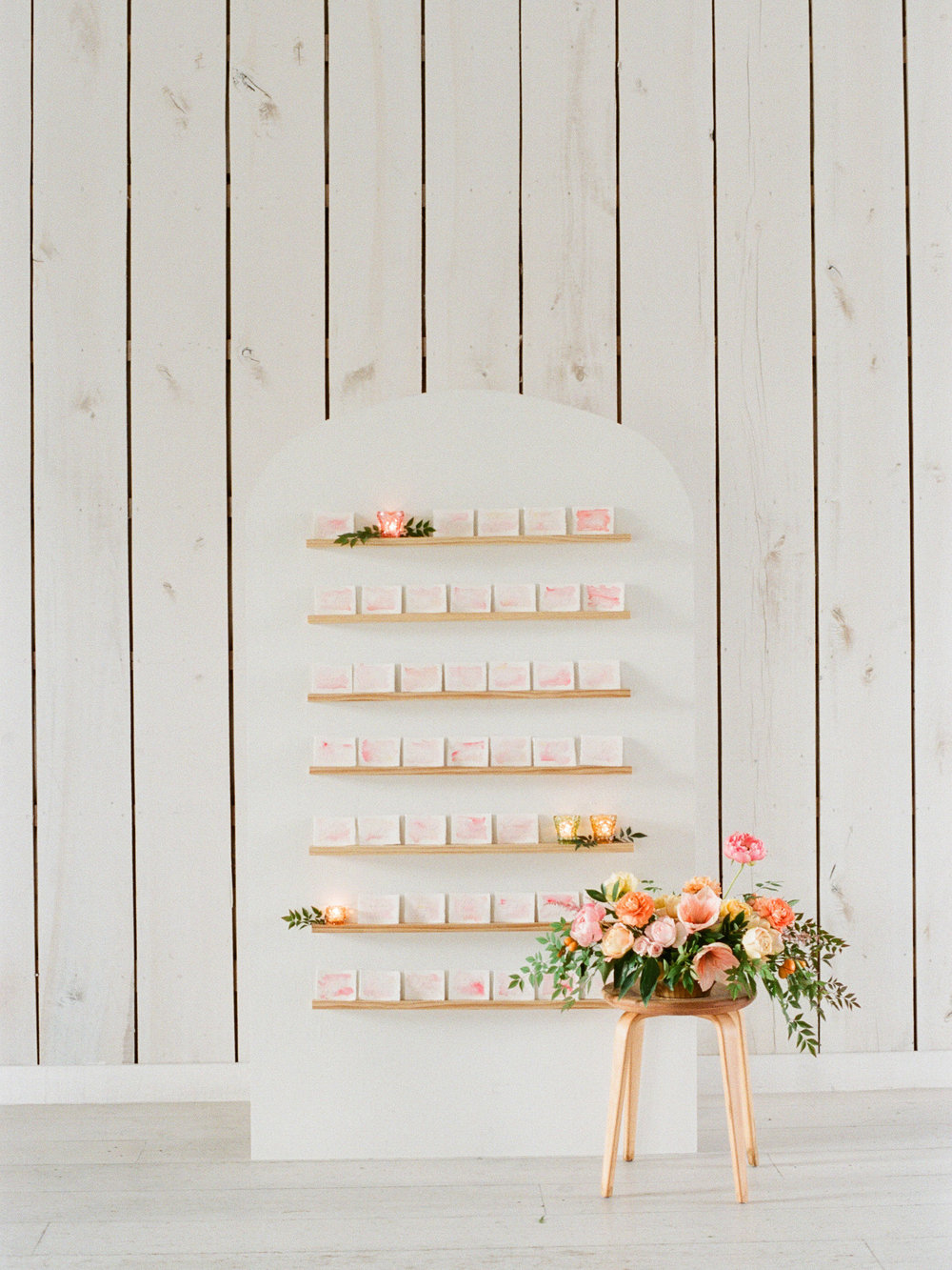 watercolor-escort-card-display