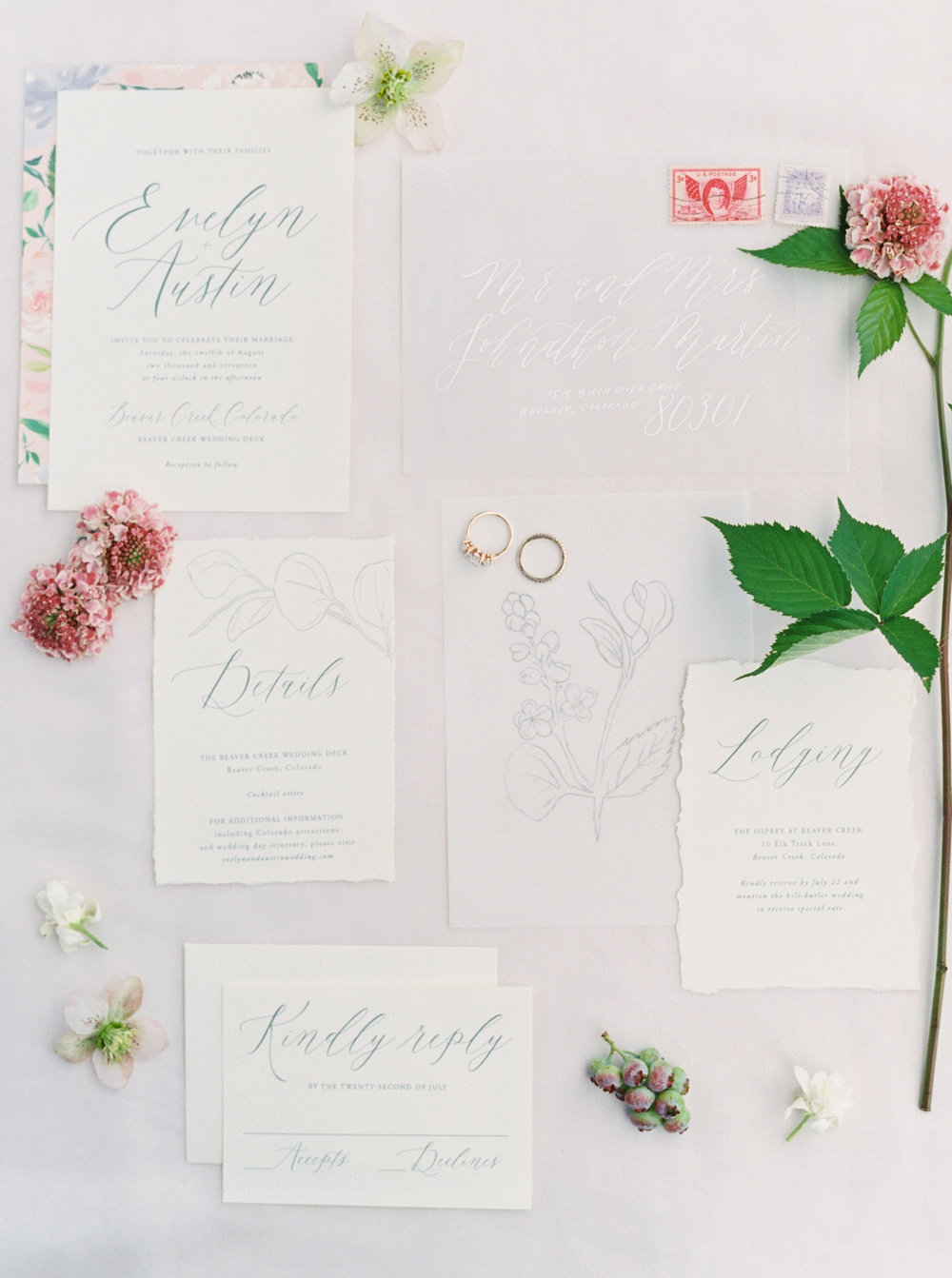 feminine-stationery-suite