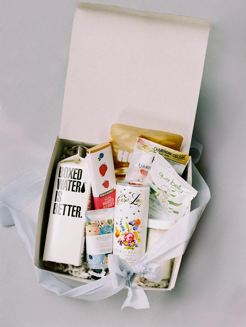 colorado-wedding-guest-gift-boxes