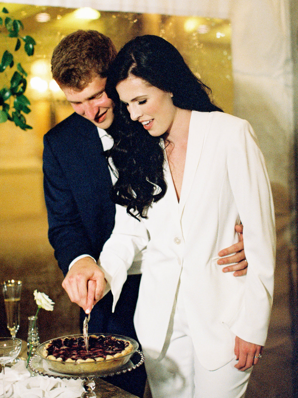 cutting-the-cake-the-arrabelle-at-vail-square