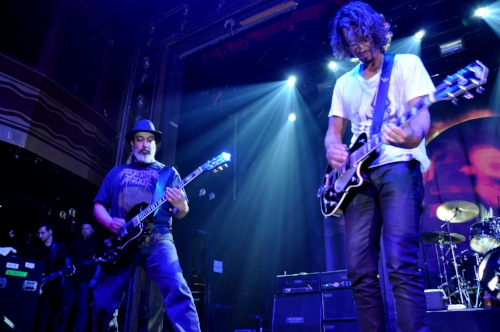 Chris Cornell on stage with Soundgarden in New York. Image by Alyssa Fried (mxdwn.com)