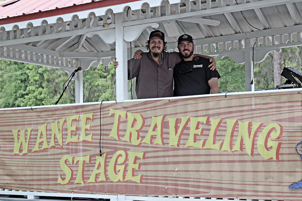traveling stage-02.jpg