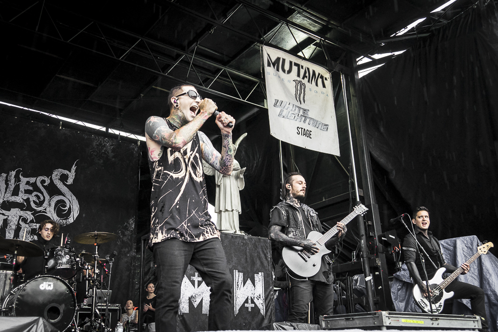 MotionlessInWhite-12.jpg
