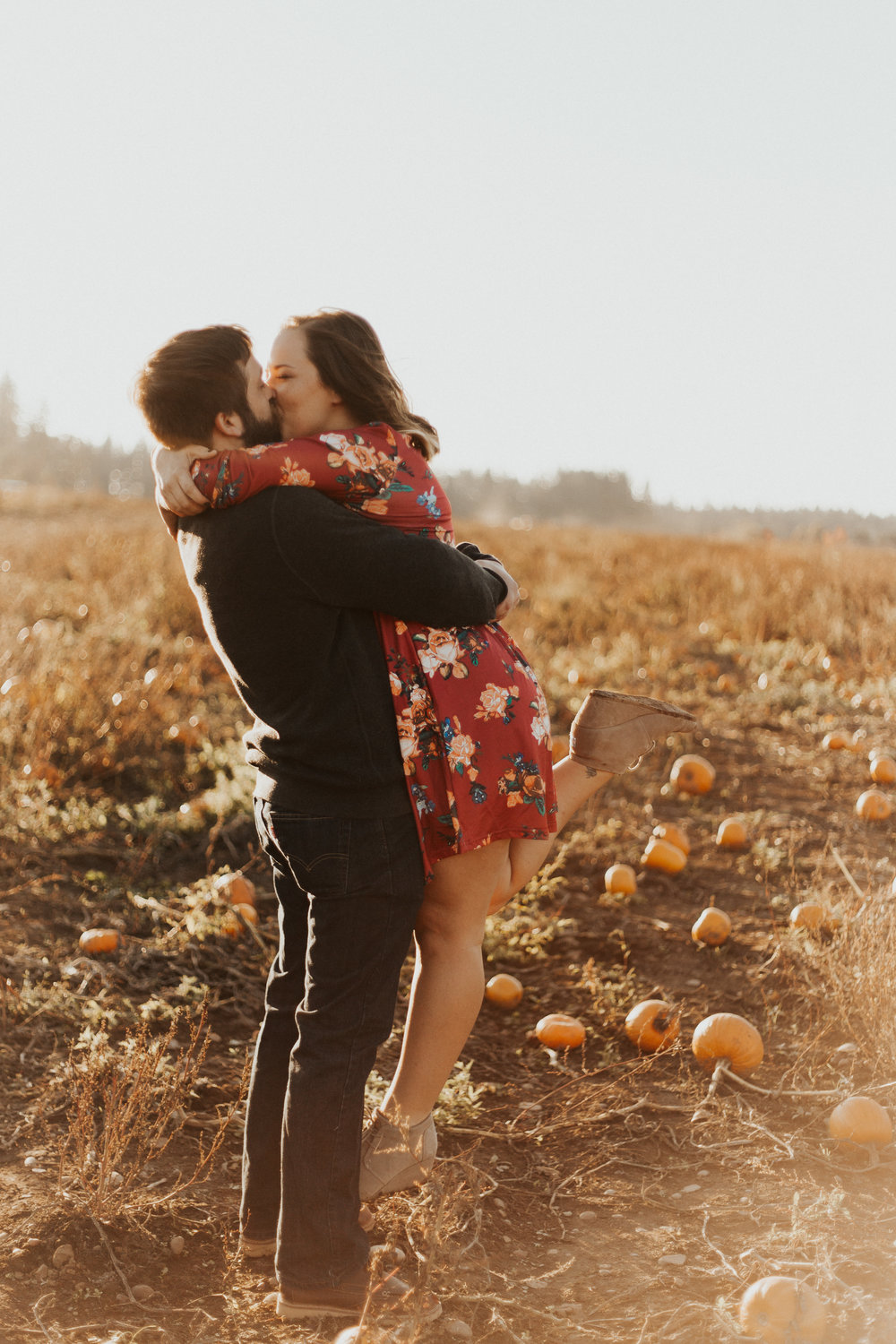 August-Muse-images-taylor-kelsey-vancouver-pumpkin-patch-washington-engagement.jpg
