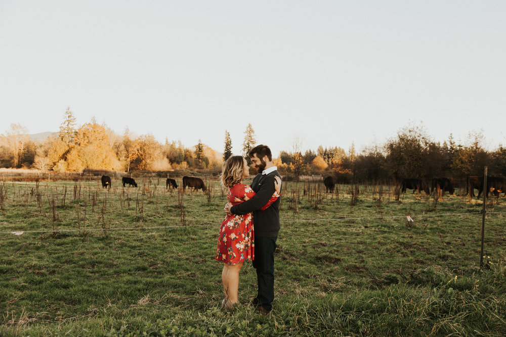 August-Muse-images-taylor-kelsey-vancouver-pumpkin-patch-washington-engagement-7.jpg