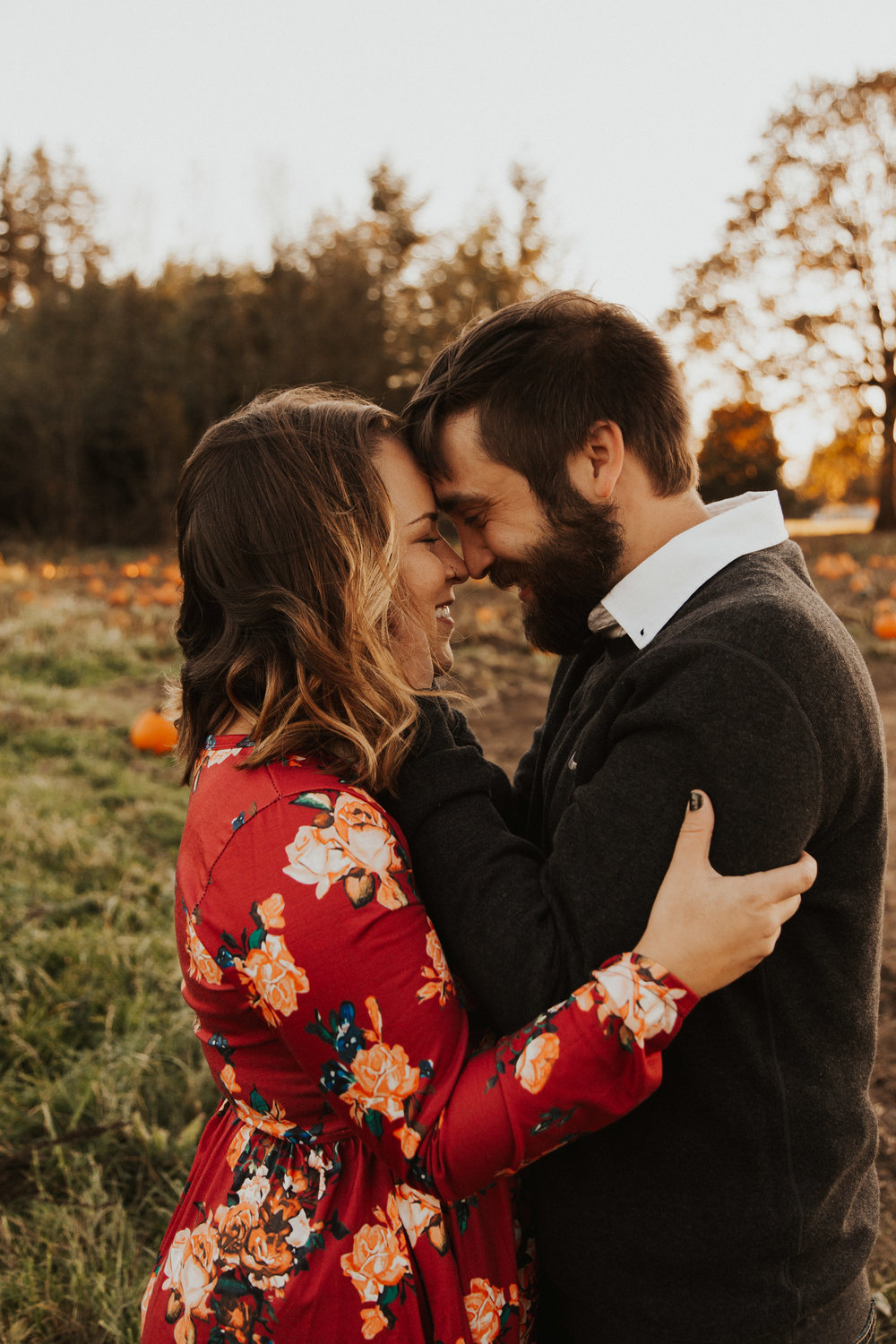August-Muse-images-taylor-kelsey-vancouver-pumpkin-patch-washington-engagement-10.jpg