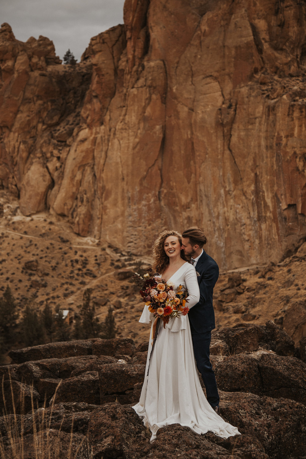 August-muse-images-smith-rock-elopement-oregon-bri-dylan-16.jpg