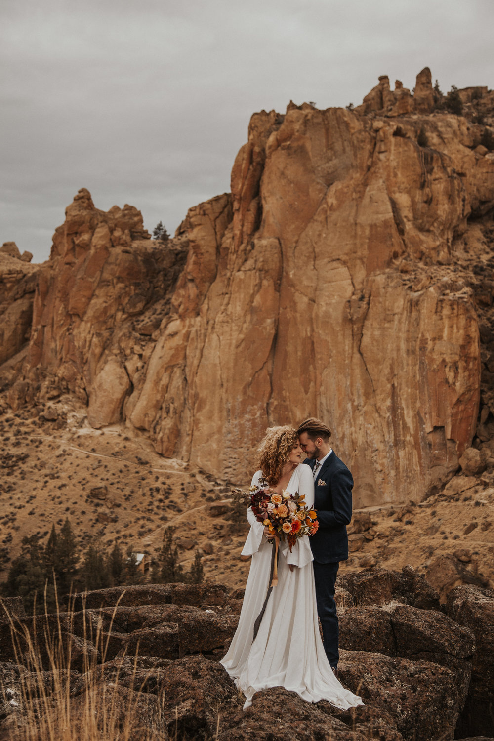 August-muse-images-smith-rock-elopement-oregon-bri-dylan-17.jpg