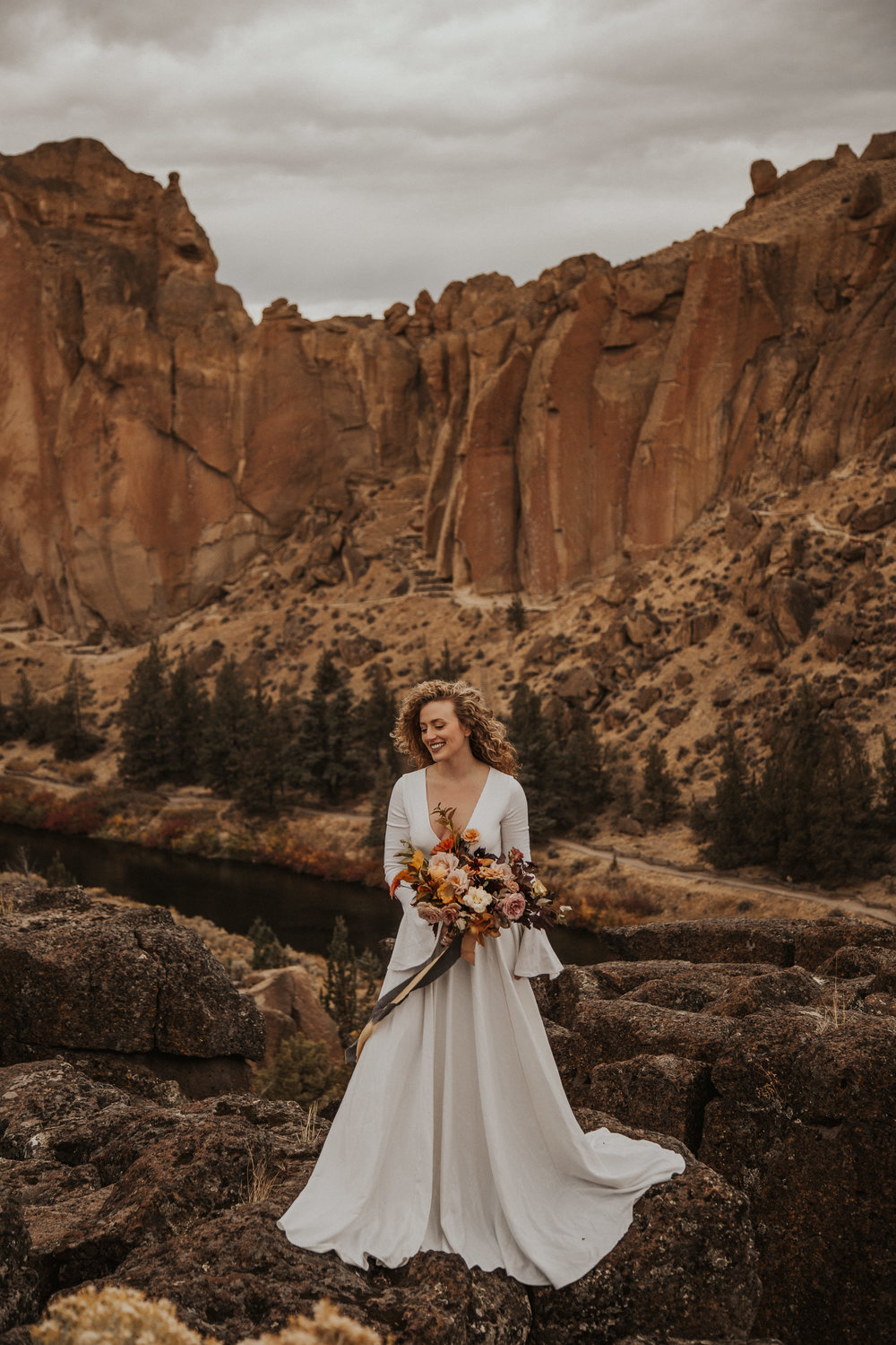 August-muse-images-smith-rock-elopement-oregon-bri-dylan-19.jpg