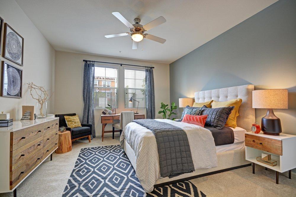 https://static1.squarespace.com/static/56ea2ae645bf21d09785fcb1/t/59ac0c1eb8a79bd67b217f9b/1504447533186/Master+bedroom+at+Miro+Apartments+in+Santa+Fe+Springs%2C+CA.jpg