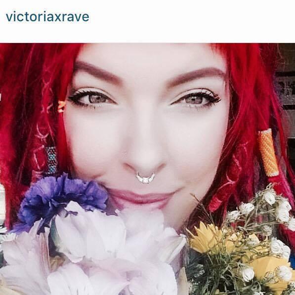 Victoria X Rave