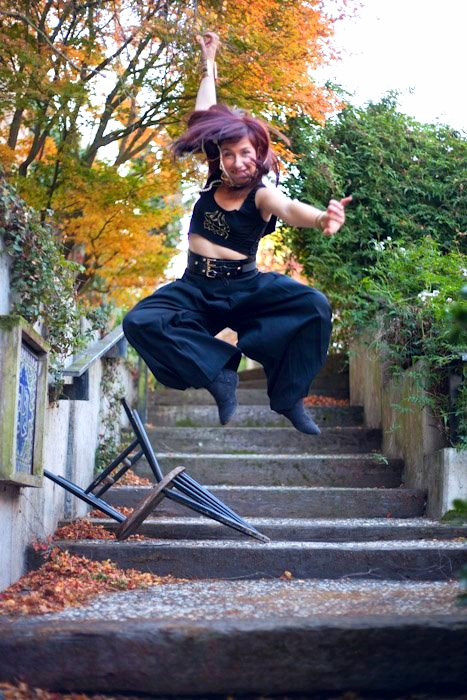 Mama Crow Jump.jpg