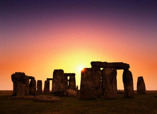 stonehenge-sunrise-600.jpg
