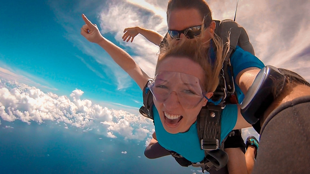 worlds-best-skydiving