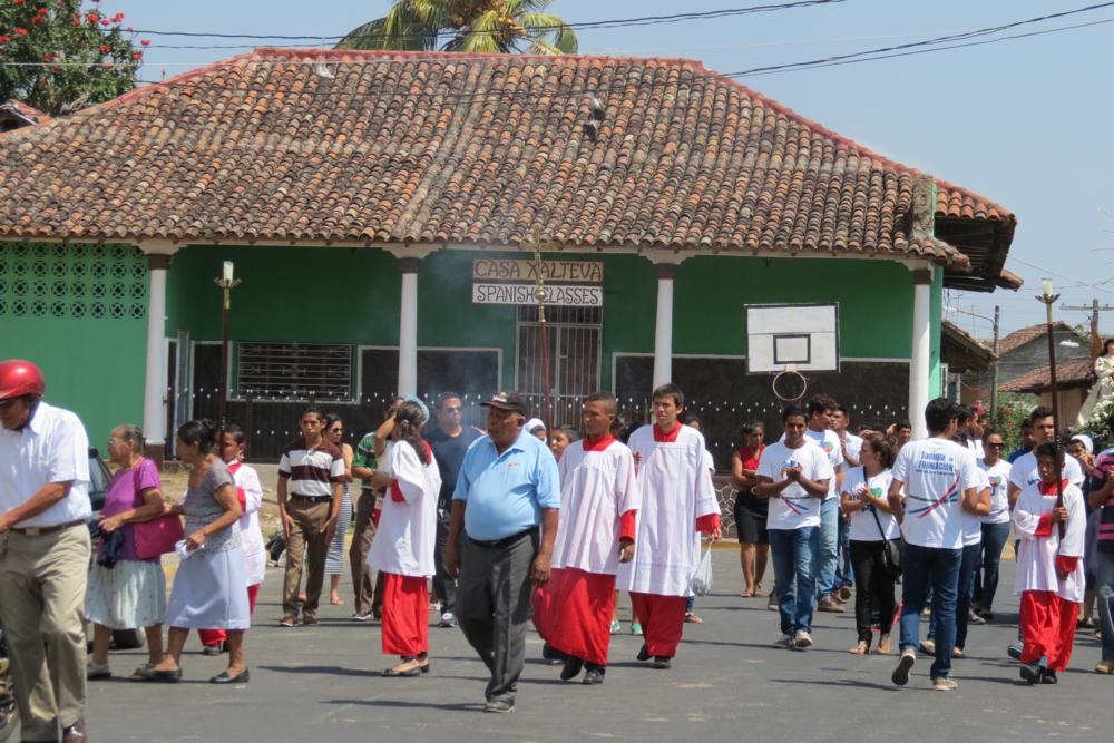 catholic-easter-parade-nicaragua