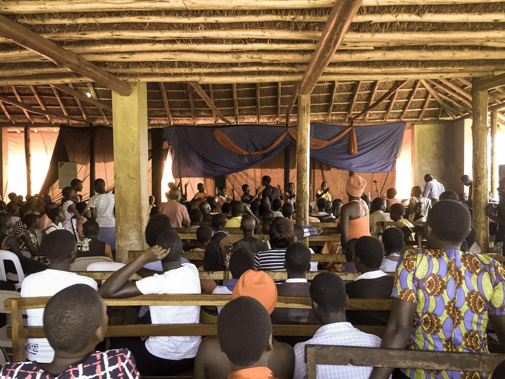 childrens-worship-uganda-amazima